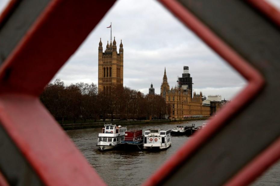Δεν «βλέπει» άτακτο Brexit ο ΟΟΣΑ
