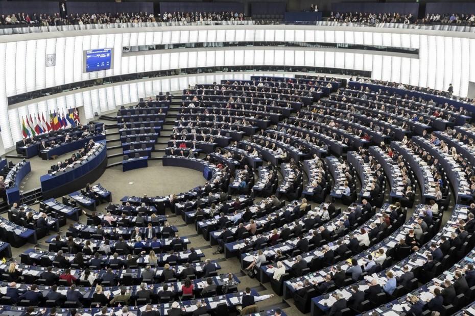 Νέους κανόνες για τα «κόκκινα» δάνεια των τραπεζών ψήφισε το Ευρωκοινοβούλιο