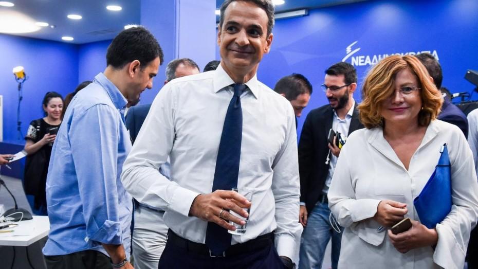 Ποια μηνύματα στέλνει ο Μητσοτάκης με τη μετακίνηση της Σπυράκη στην ευρωλίστα