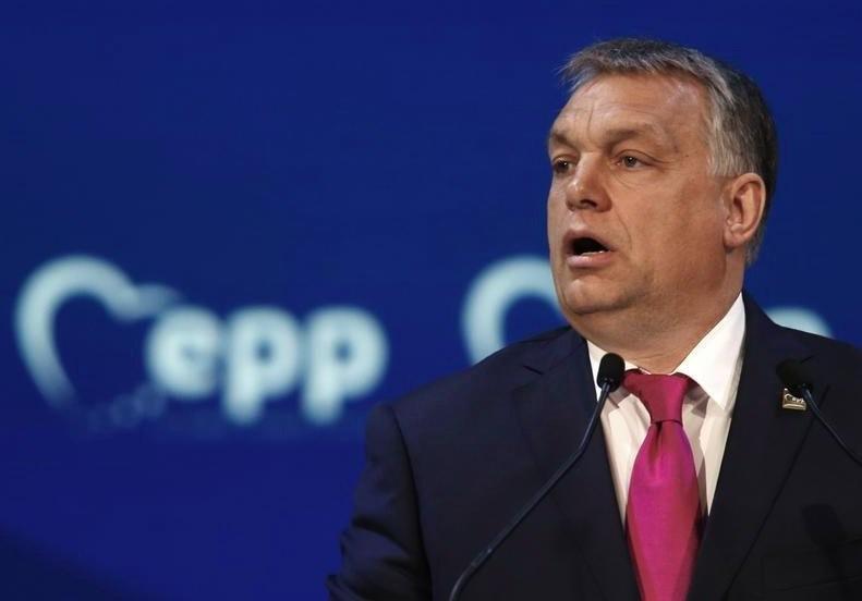 Το ΕΛΚ ανέστειλε τη συμμετοχή του κόμματος του Όρμπαν