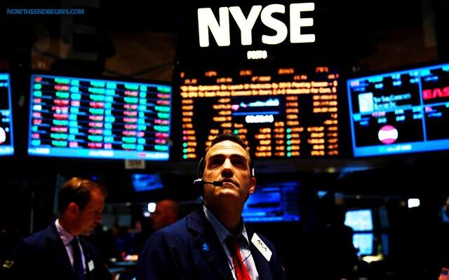 Σε ελεύθερη πτώση οι δείκτες της Wall Street