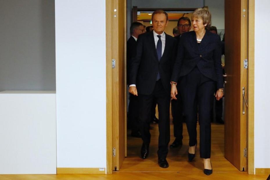 Ο Τουσκ «πέταξε» το Brexit στα πόδια της Μέι