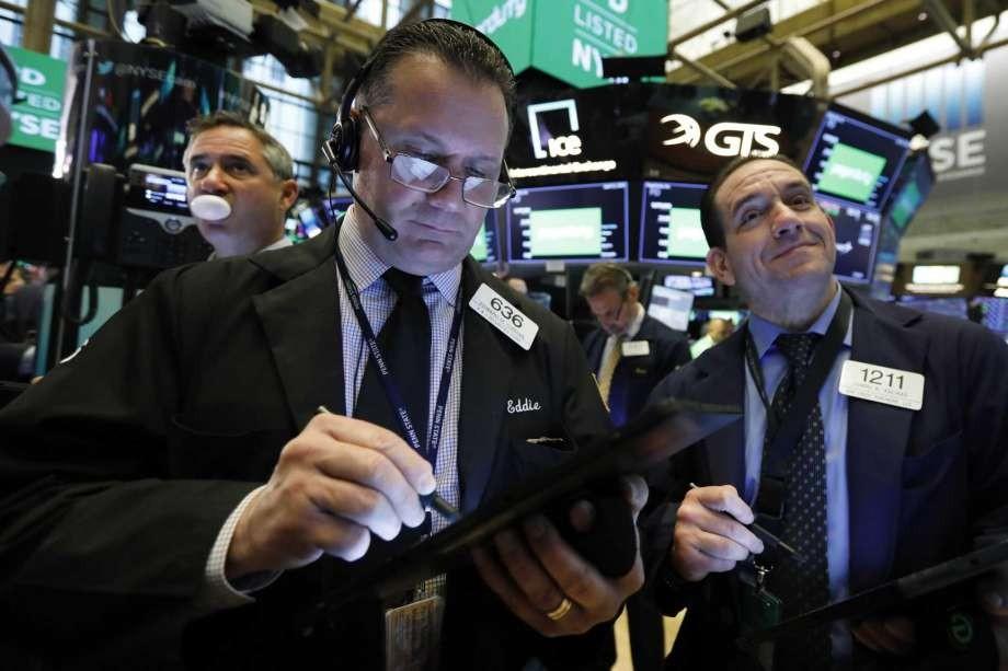 Νευρικό ξεκίνημα στη Wall Street για την Πέμπτη