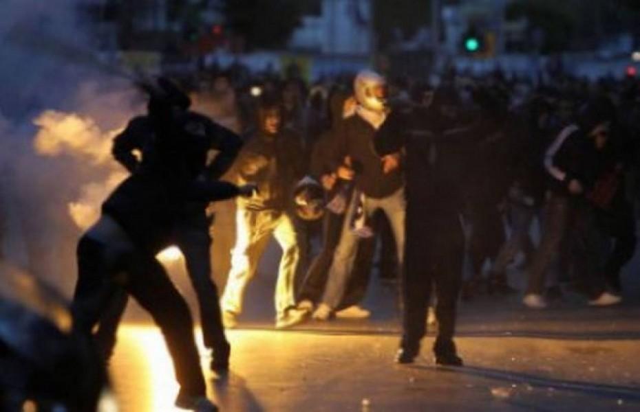 Άγριες συμπλοκές οπαδών στη Θεσσαλονίκη