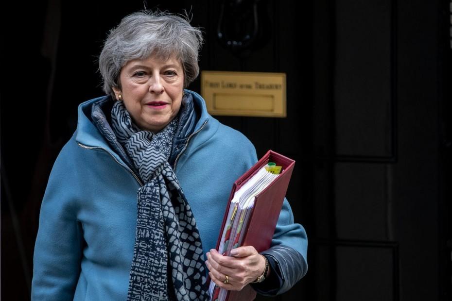 Η Μέι ξορκίζει πρόωρες εκλογές λόγω του Brexit