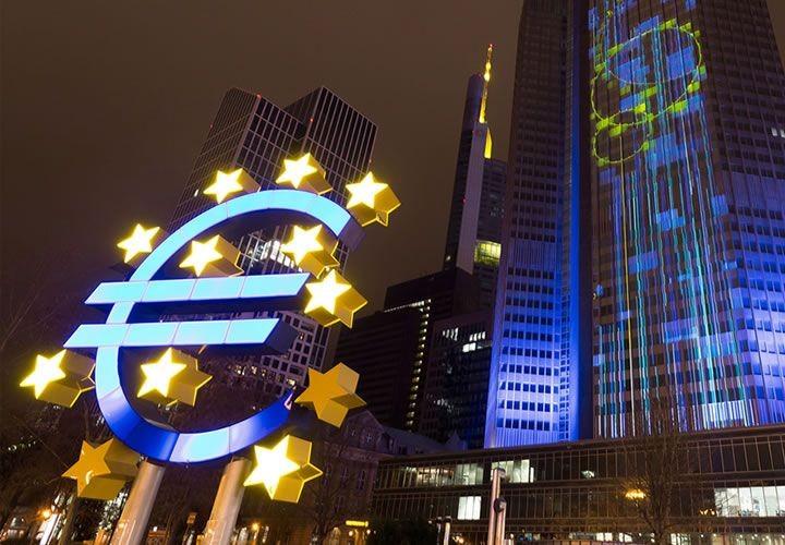 ΕΚΤ: Πλεόνασμα €27 δισ. στο ισοζύγιο τρεχουσών συναλλαγών