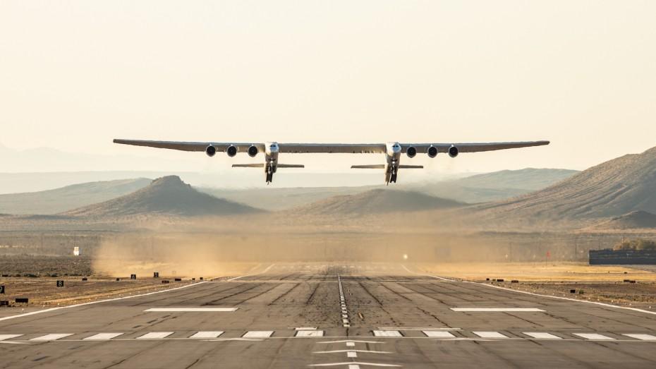Επιτυχής πρώτη πτήση για το μεγαλύτερο αεροσκάφος στον κόσμο (βίντεο)