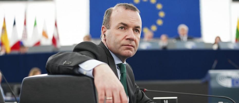 Βέμπερ: Να εξασφαλίσουμε θέσεις εργασίας, όχι ευρωπαϊκό κατώτατο μισθό