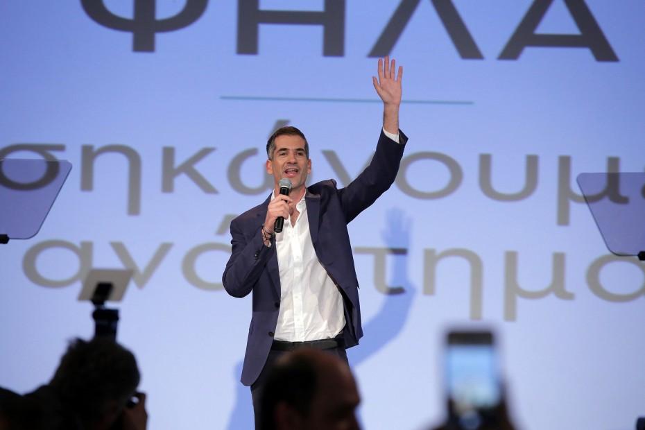 Νίκη-περίπατος για τον Κώστα Μπακογιάννη στο δήμο Αθηναίων