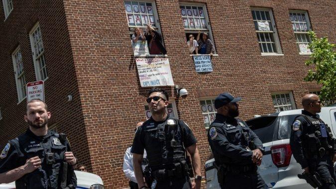 Εισβολή των ΗΠΑ στην πρεσβεία της Βενεζουέλας στην Ουάσινγκτον