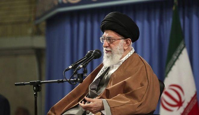 Δεν θα υπάρξει πόλεμος με τις ΗΠΑ, τονίζουν στο Ιράν