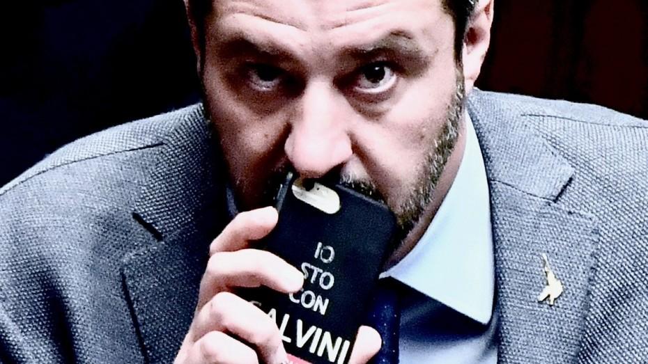 Νέες απειλές του Σαλβίνι για τα δημοσιονομικά της ΕΕ