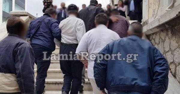 Λαμία: Στη φυλακή ο πατέρας και οι «πελάτες» που ασελγούσαν στην κόρη του