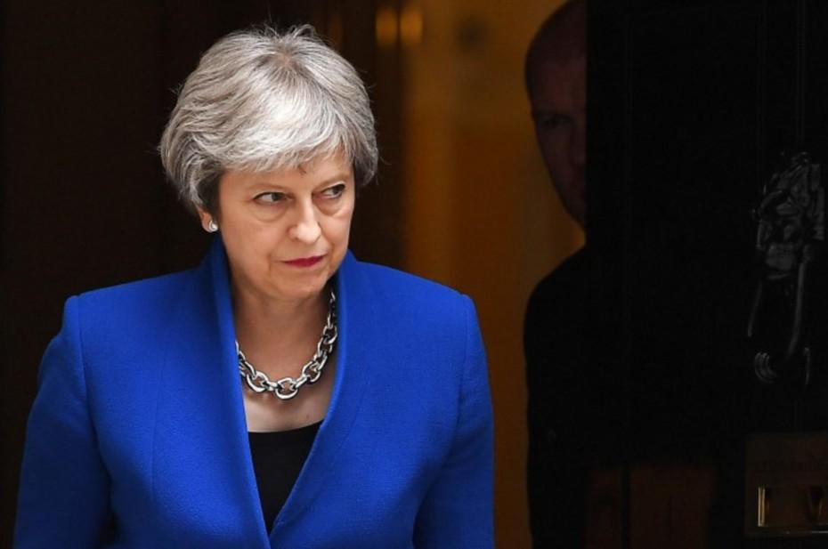Daily Telegraph: Η Μέι σχεδιάζει δεύτερο δημοψήφισμα για το Brexit
