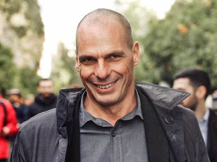 Μετακομίζει στην Αθήνα ο Βαρουφάκης, με το «βλέμμα» στις εθνικές εκλογές