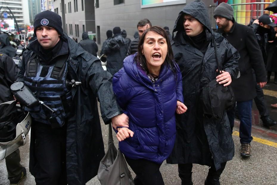 Σε συλλήψεις εκατοντάδων υπαλλήλων του τουρκικού ΥΠΕΞ προχωρά η Άγκυρα