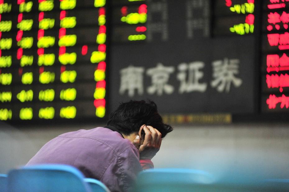 Στο «κόκκινο» η διαμάχη ΗΠΑ-Κίνας, «βουτιά» στην Ασία