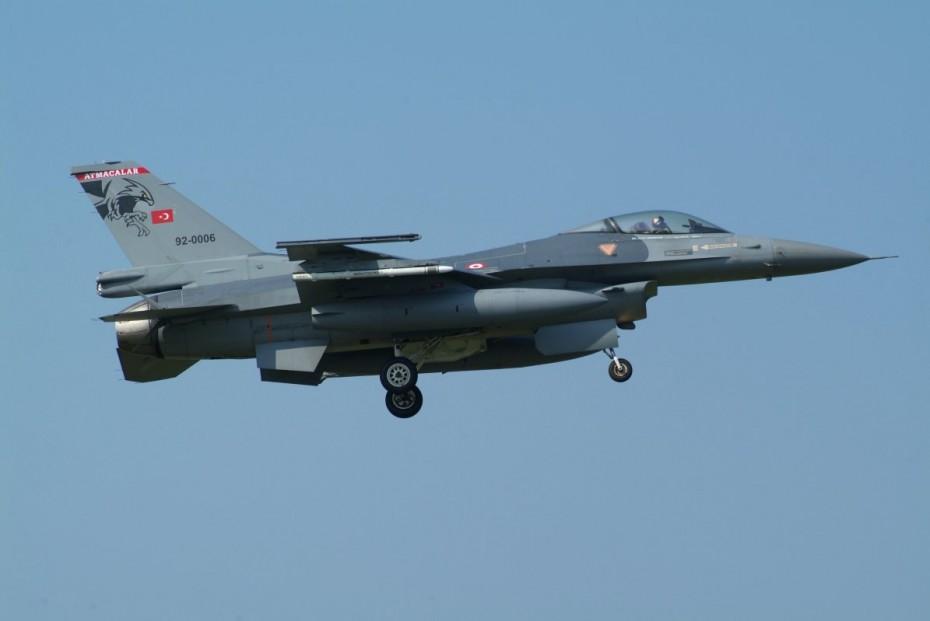 Δεκάδες τουρκικές παραβιάσεις και μία εικονική αερομαχία στο Αιγαίο