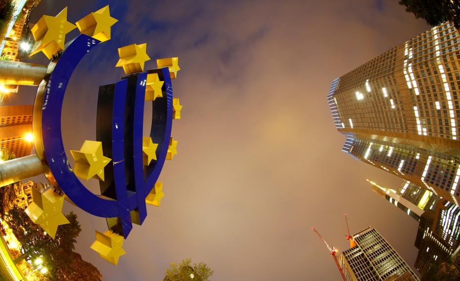 Στη Σίντραγια ο απολογισμός και οι προκλήσεις για το ευρώ