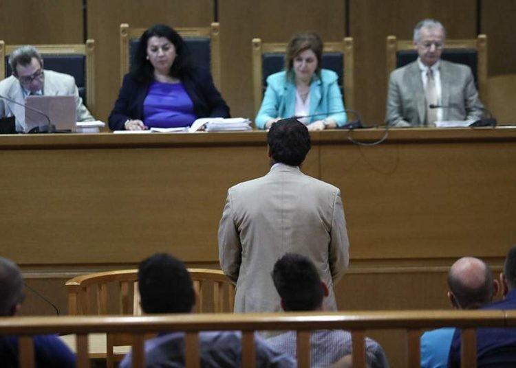 Δίκη ΧΑ: Η απολογία του Δήμου «καίει» τους χρυσαυγίτες