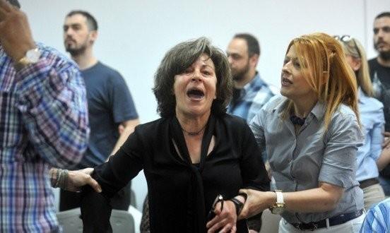 Δίκη ΧΑ: Κατέρρευσε η μητέρα του Παύλου Φύσσα αντικρίζοντας τον Ρουπακιά