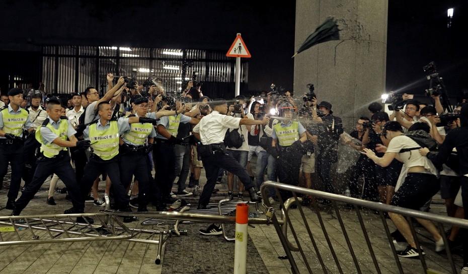 Ήταν οργανωμένες ταραχές, υποστηρίζει η κυβέρνηση του Χονγκ Κονγκ