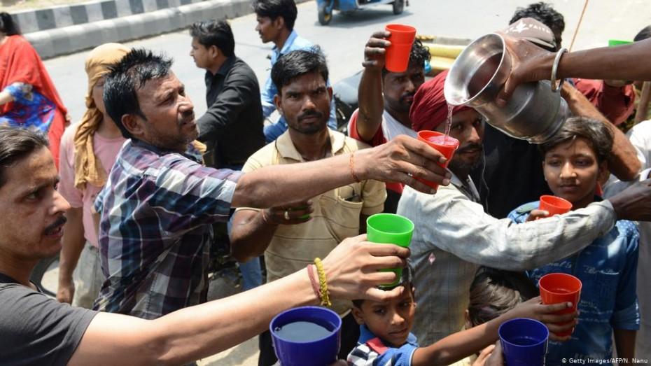 Δεκάδες νεκροί από το κύμα καύσωνα στην Ινδία