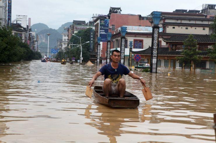 Τουλάχιστον 19 νεκροί από πλημμύρες στην Κίνα
