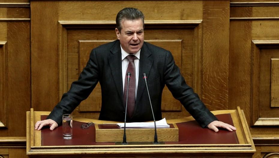 Συντάξεις-εφάπαξ: Έτσι ο Πετρόπουλος διασκεδάζει τις εντυπώσεις για τις 298.000 εκρρεμείς αιτήσεις
