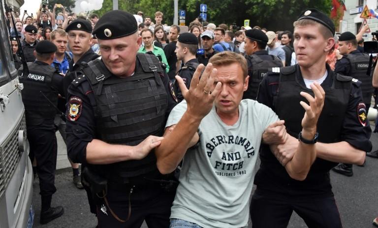 Ρωσία: Περισσότερες από 400 συλλήψεις σε «παράνομη» διαδήλωση