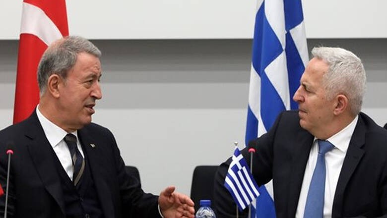Συνάντηση Αποστολάκη-Ακάρ στο περιθώριο του ΝΑΤΟ