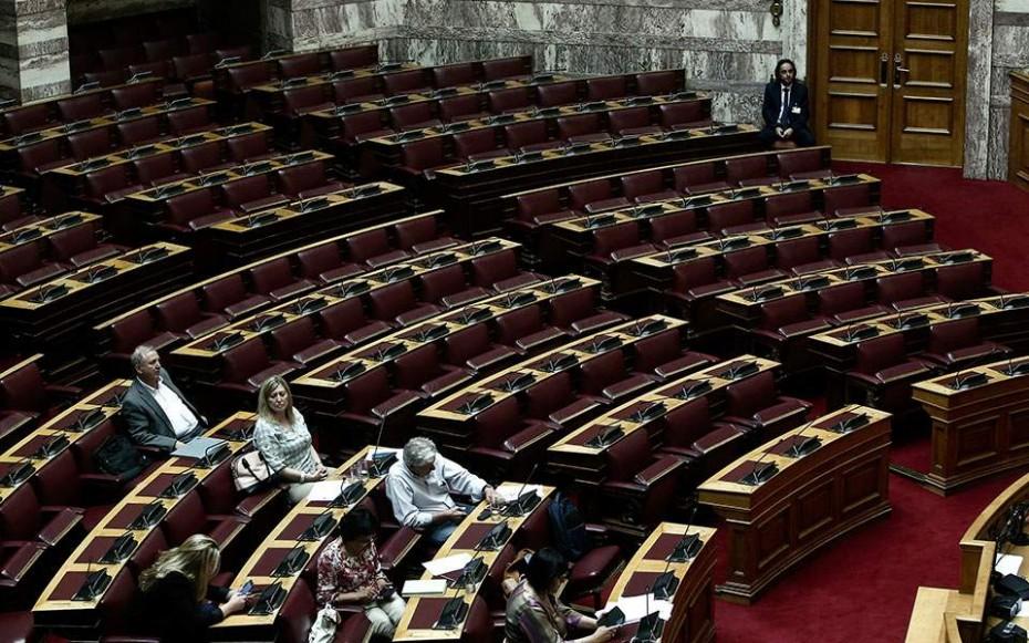 Βουλή: «Παραληρήματα» χρεώνει ο ΣΥΡΙΖΑ στην αντιπολίτευση