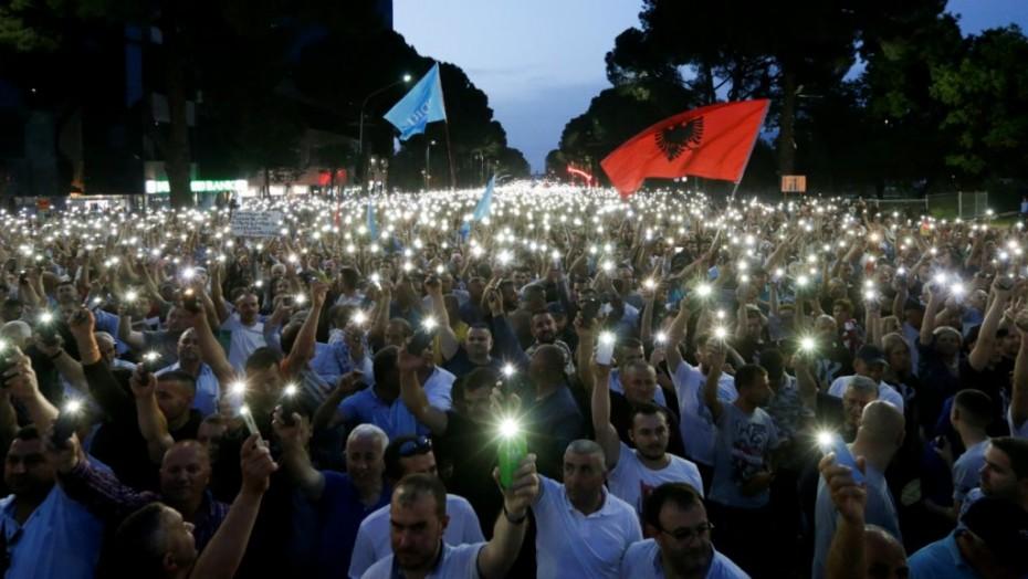 Χάος στην Αλβανία για την ακύρωση των εκλογών