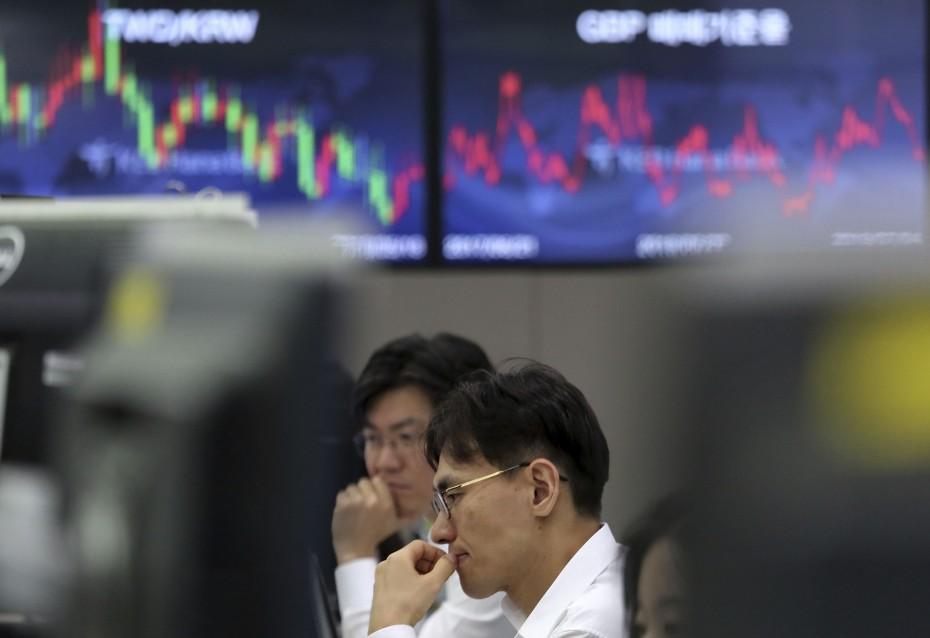 «Αέρας» ρεκόρ από τη Wall Street στα ασιατικά χρηματιστήρια