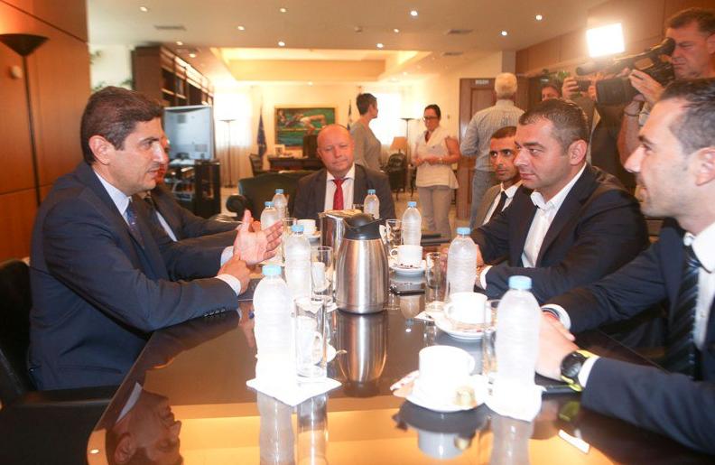 Σε θετικό κλίμα η πρώτη συνάντηση του Αυγενάκη με FIFA - UEFA