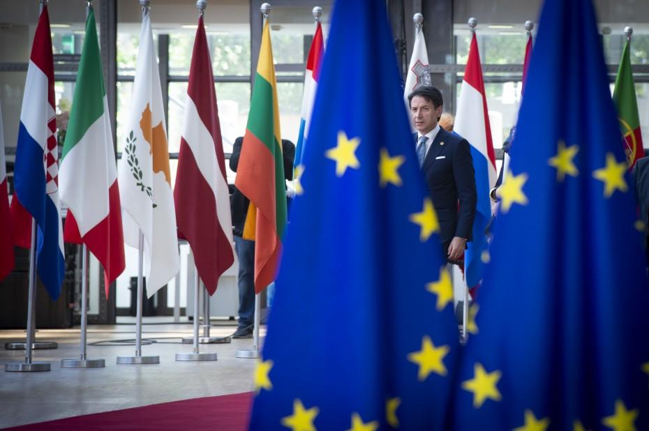 Διευκρινίσεις από τη Ρώμη ζητεί η Κομισιόν