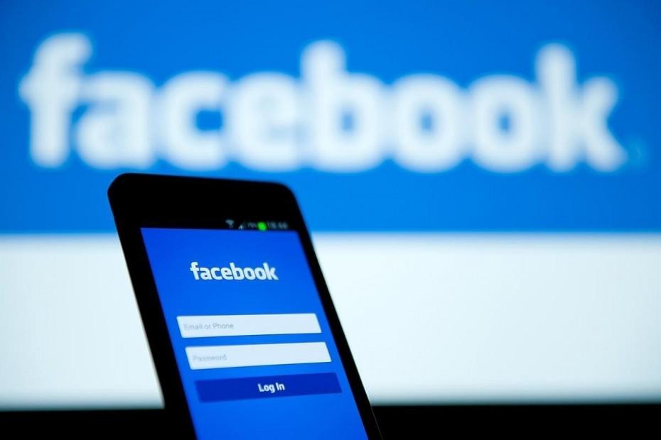 Εκ νέου προβλήματα για τους χρήστες σε Facebook και Instagram