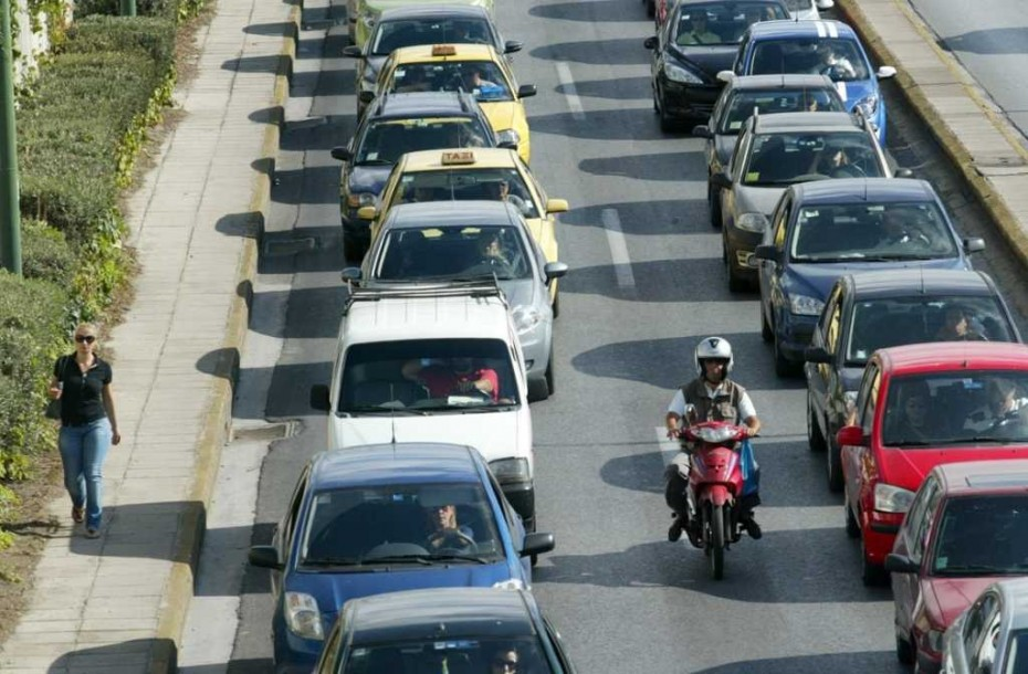 Σεισμός στην Αθήνα: Μποτιλιάρισμα στους δρόμους, χωρίς προβλήματα η κίνηση στα ΜΜΜ