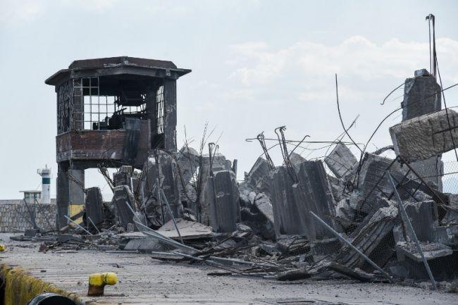 Κατέρρευσε ο παλιός ταινιόδρομος στο λιμάνι του Πειραιά