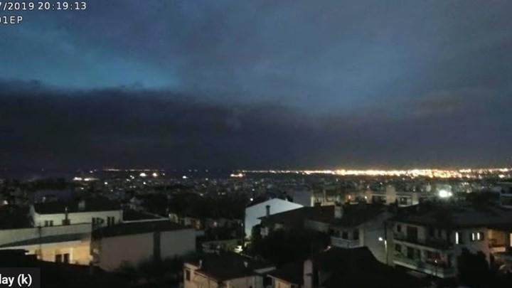 Βίντεο από τη στιγμή που η φονική καταιγίδα χτυπά την Χαλκιδική