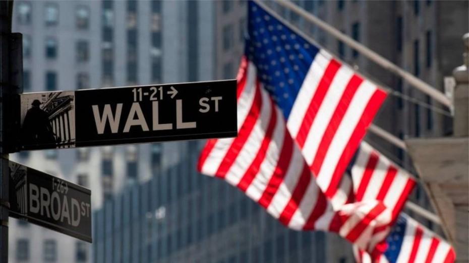 «Απόνερα» από τα αντίποινα της Κίνας στη Wall Street