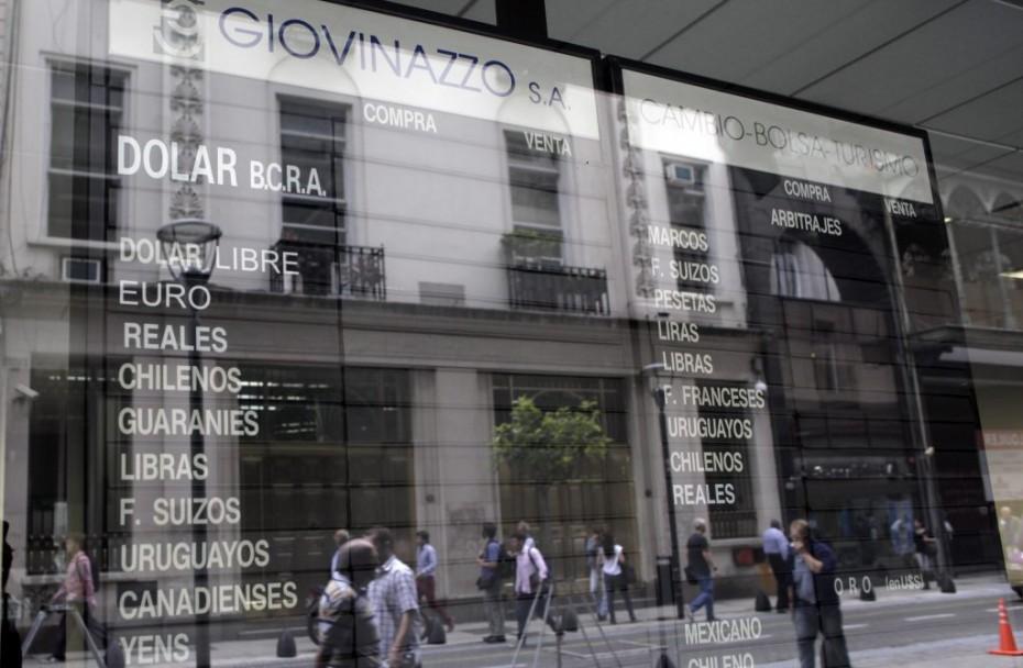 Fitch και S&P υποβάθμισαν την πιστοληπτική ικανότητα της Αργεντινής