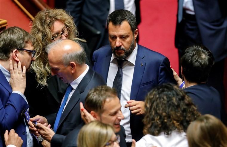 Ιταλία: Σενάρια για αποφυγή πρόωρων εκλογών