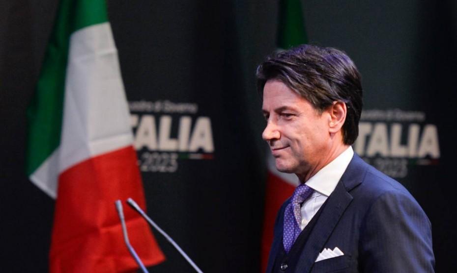 Πολιτικό «μπινγκ μπανγκ» στην Ιταλία - Παραιτήθηκε ο Κόντε