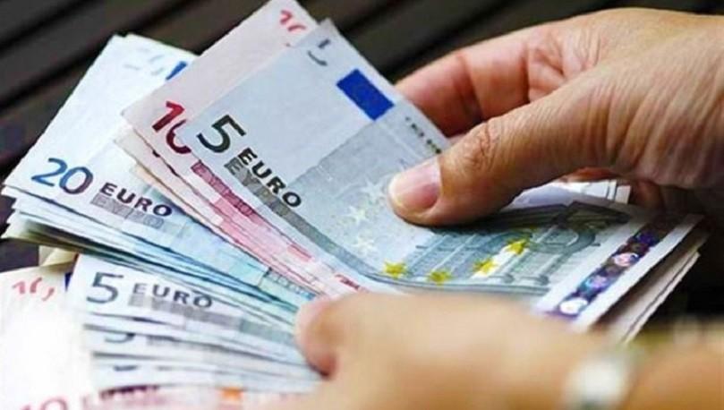 Με μέσο μισθό 396 ευρώ 1 στους 3 εργαζομένους