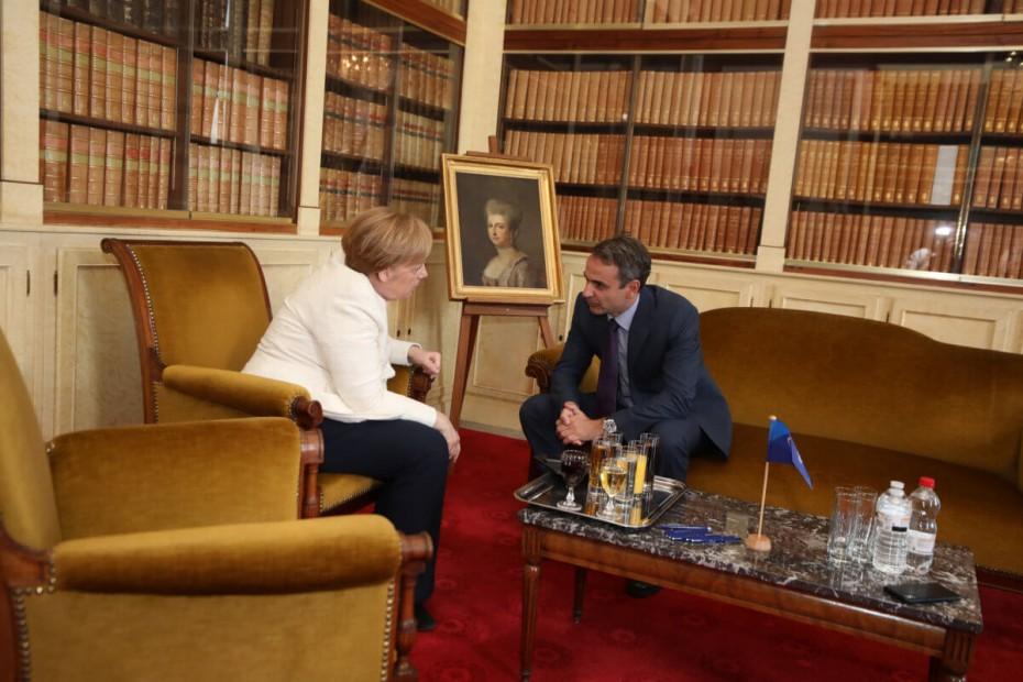 Τα μηνύματα και τα «χαρτιά» Μητσοτάκη στη συνάντηση με την καγκελάριο Μέρκελ