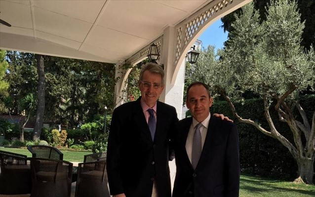 Με τον Αμερικανό πρέσβη συναντήθηκε ο Πλακιωτάκης