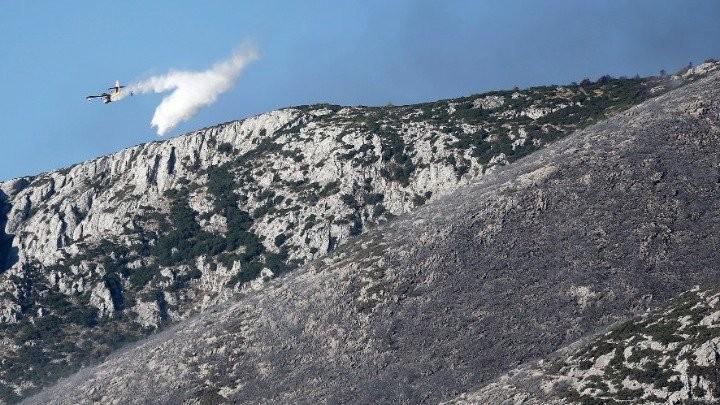 Μάχη της Πυροσβεστικής με τις φλόγες σε Εύβοια, Θάσο και Θήβα