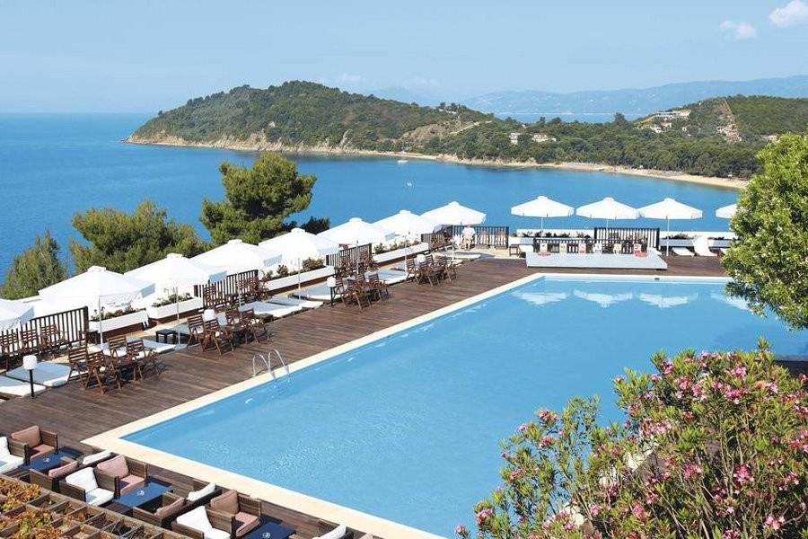 Συνεργασία της Μονής Βατοπαιδίου με το Skiathos Palace Hotel