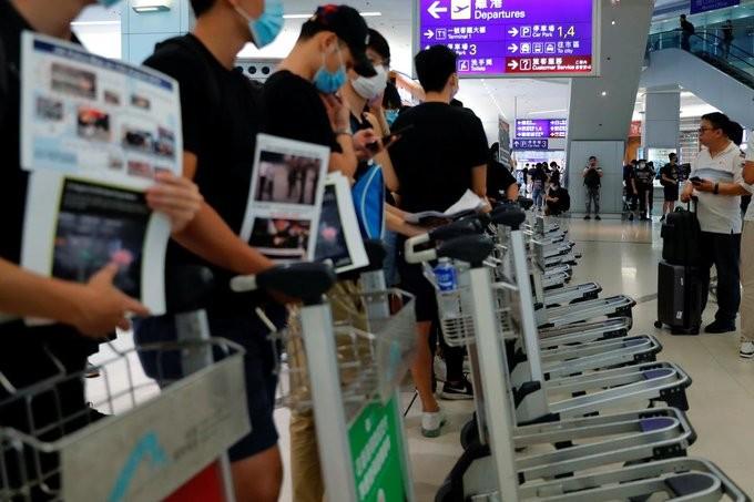 Και πάλι αναβολή για τις πτήσεις στο αεροδρόμιο του Χονγκ Κονγκ